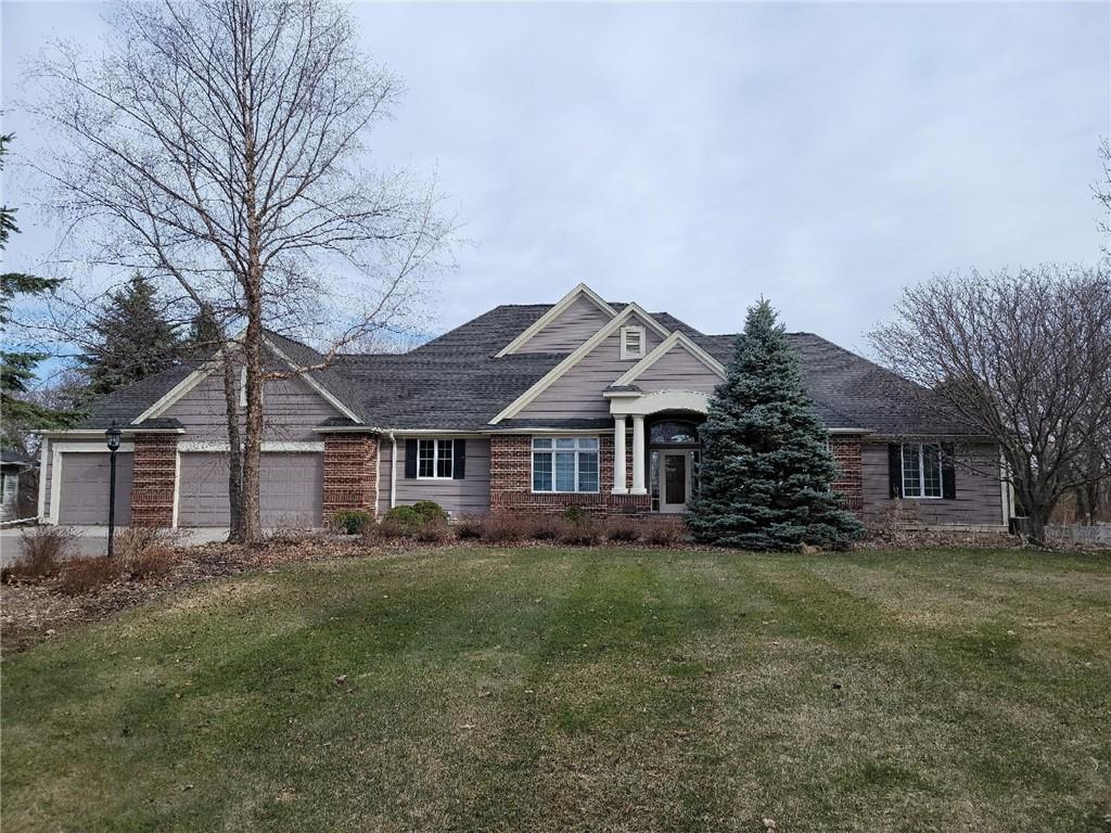 2579 Golf View Drive Property Photo - River Falls, WI real estate listing