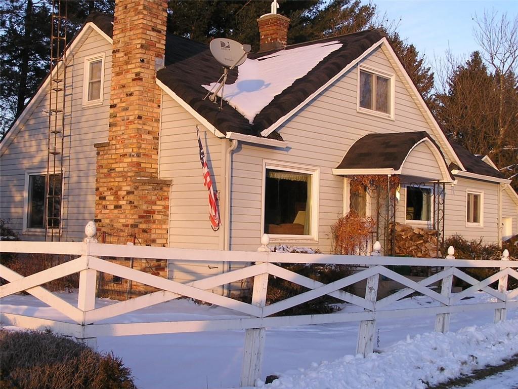 724 N A Street Property Photo - Sheldon, WI real estate listing