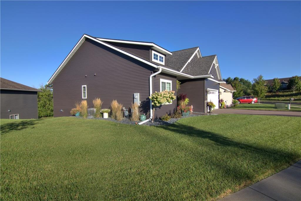 168 Club View Lane Property Photo - Altoona, WI real estate listing