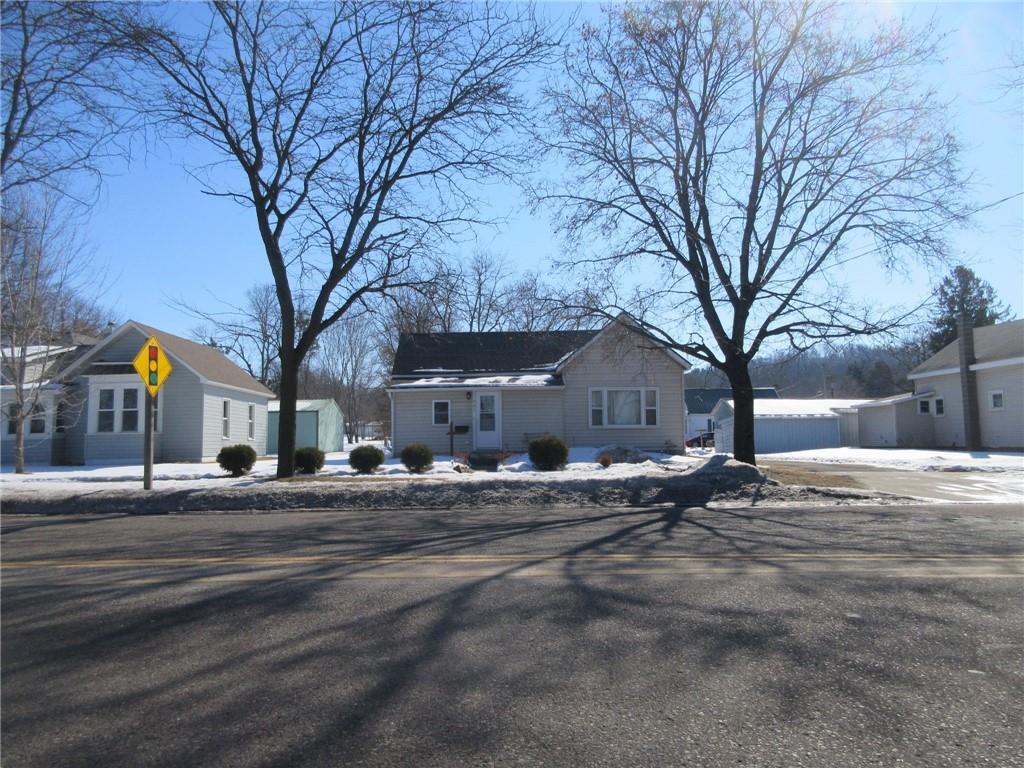 907 E Prospect Street Property Photo - Durand, WI real estate listing
