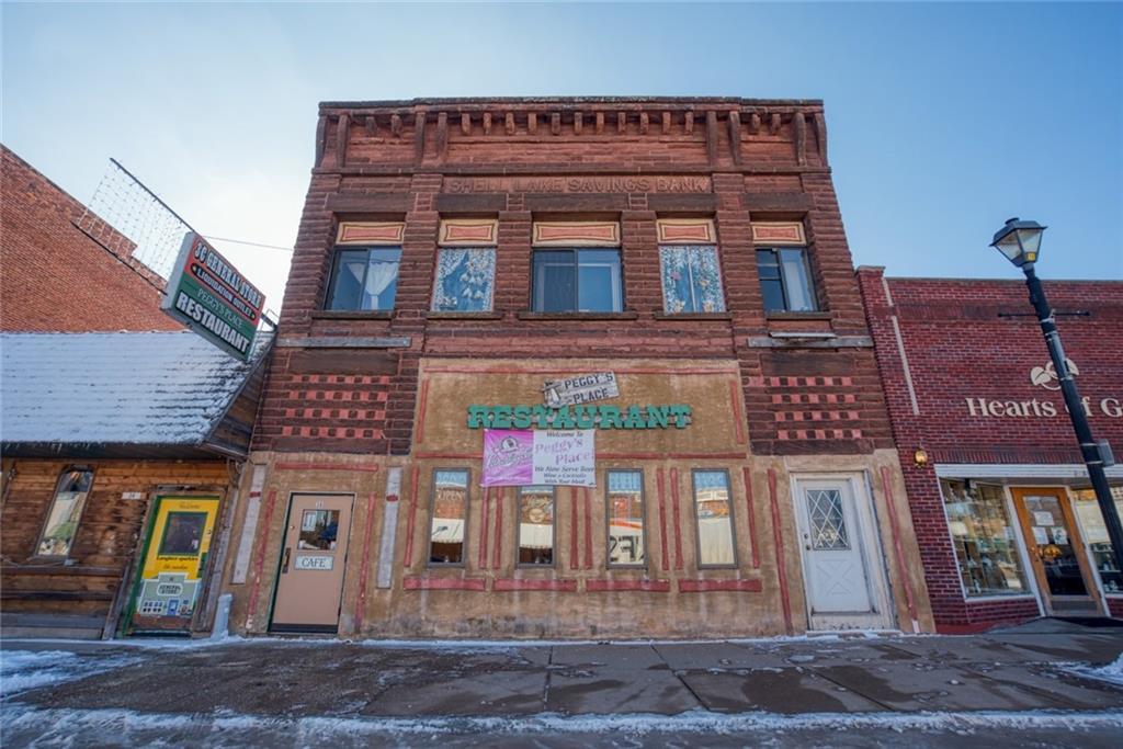 36 5th Avenue Property Photo