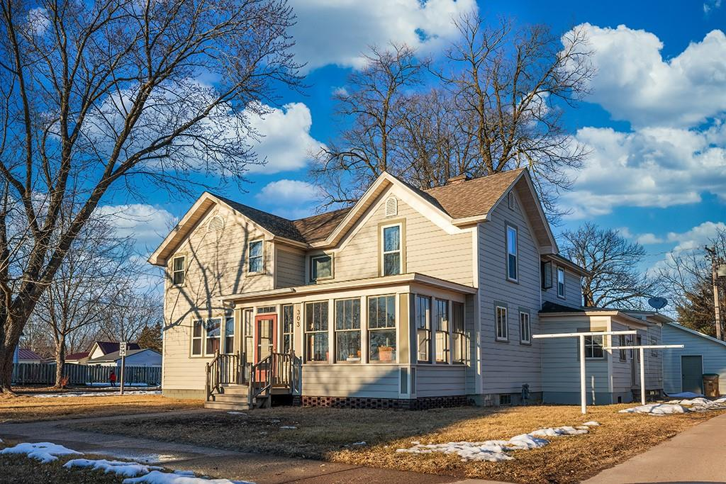 303 S Prairie Street Property Photo