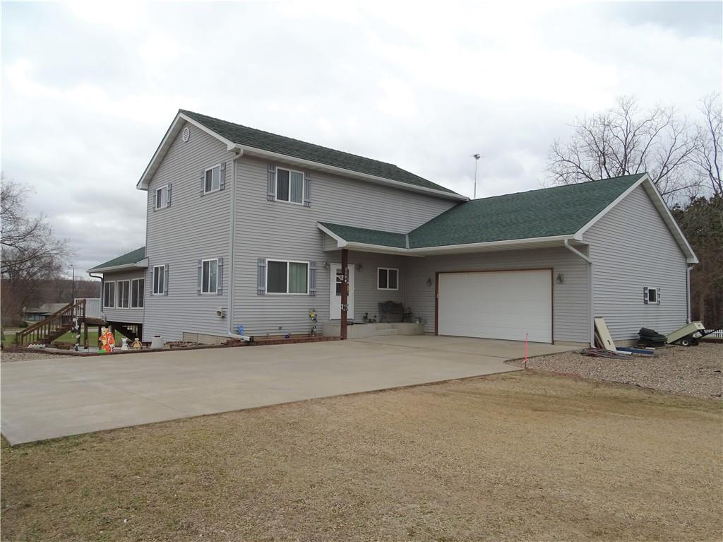 1104 Evergreen Court Property Photo - Pepin, WI real estate listing