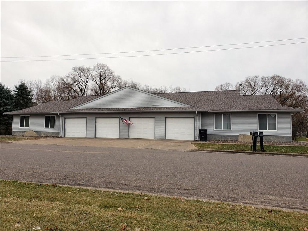 207 W Prospect Street Property Photo - Thorp, WI real estate listing