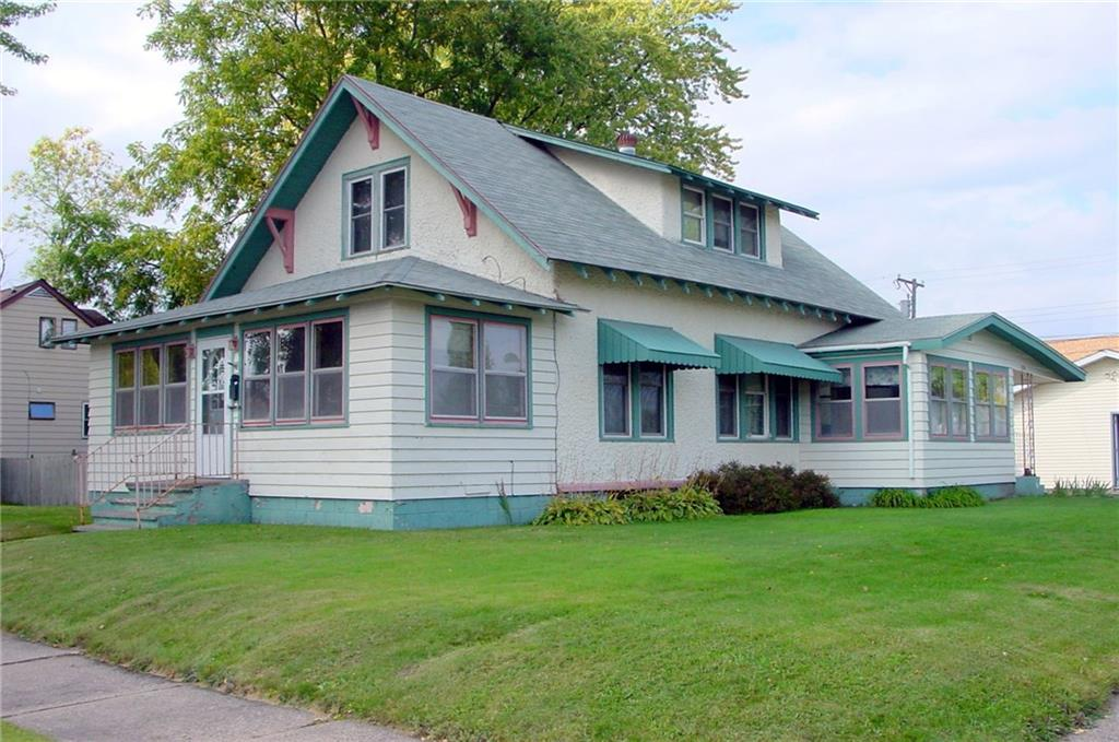 320 E 2nd Street S Property Photo - Ladysmith, WI real estate listing