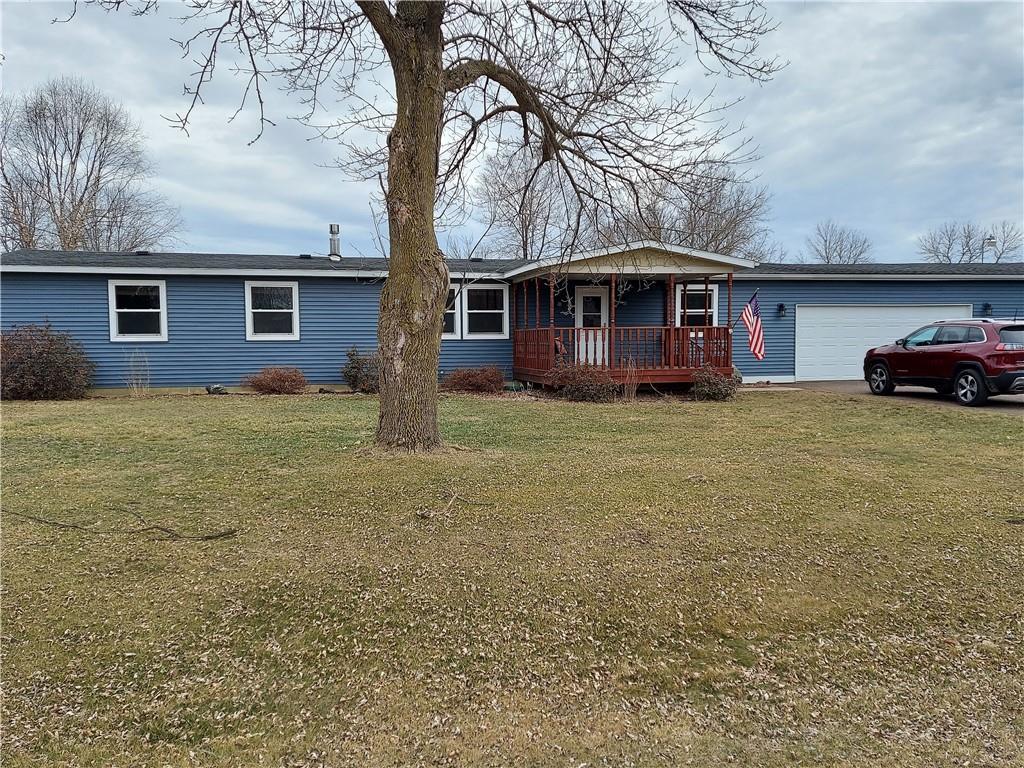 E6432 836th Avenue Property Photo - Colfax, WI real estate listing
