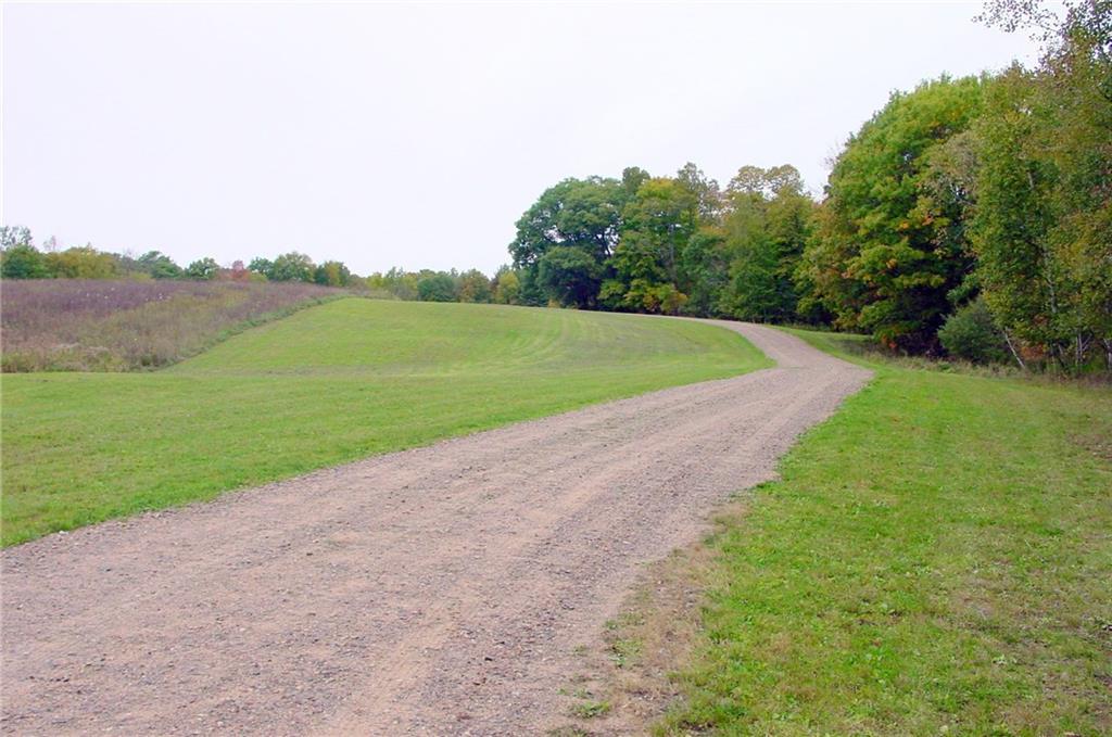 N7129 Dearhamer Road Property Photo