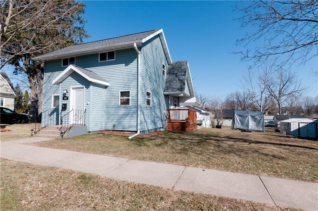 109 E La Salle Avenue Property Photo - Barron, WI real estate listing