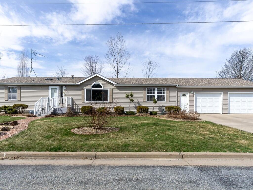 118 Monroe Street Property Photo