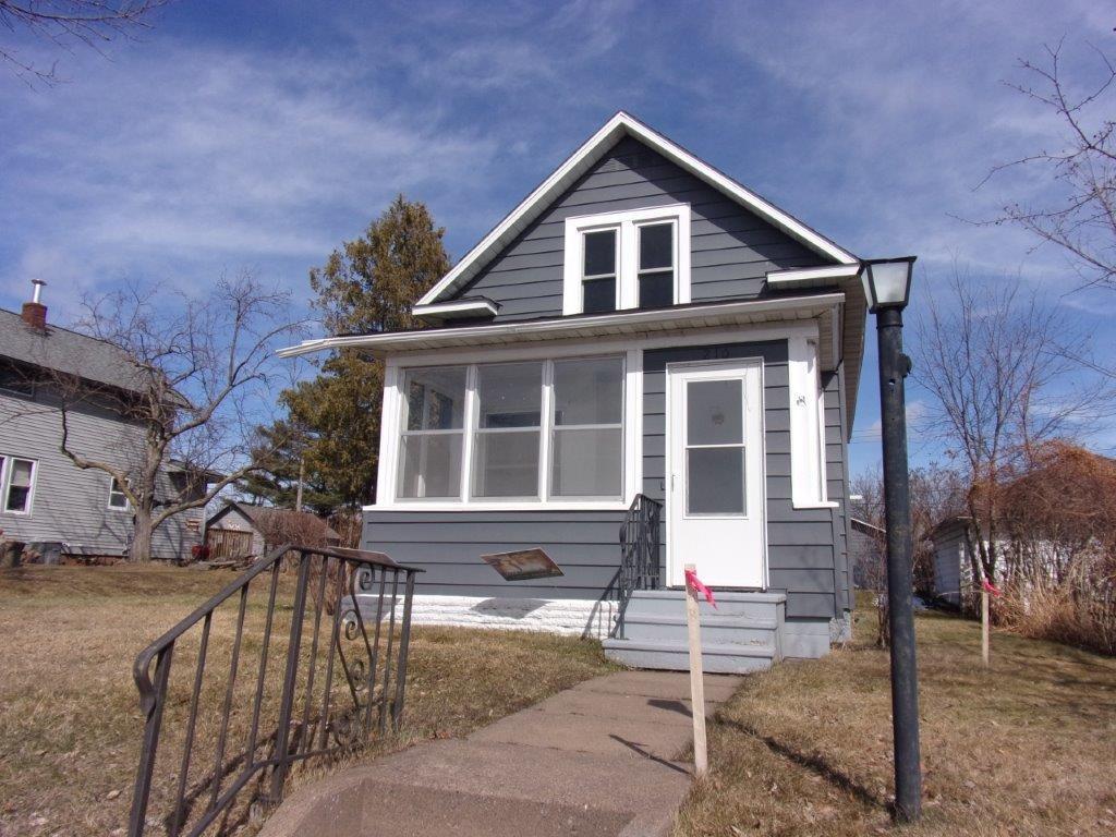 210 Maple Street Property Photo