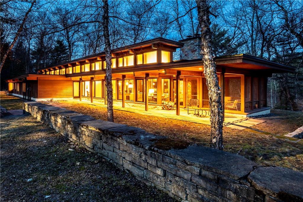 Waters Edge Real Estate Listings Main Image