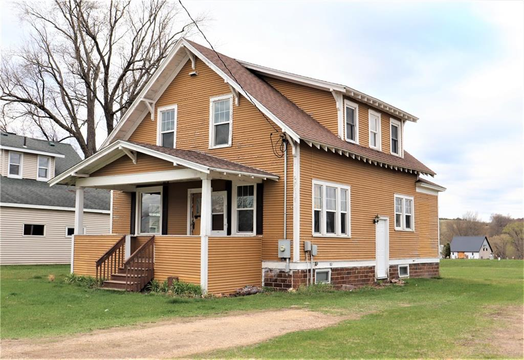 W15674 State Highway 121 Property Photo - Hixton, WI real estate listing