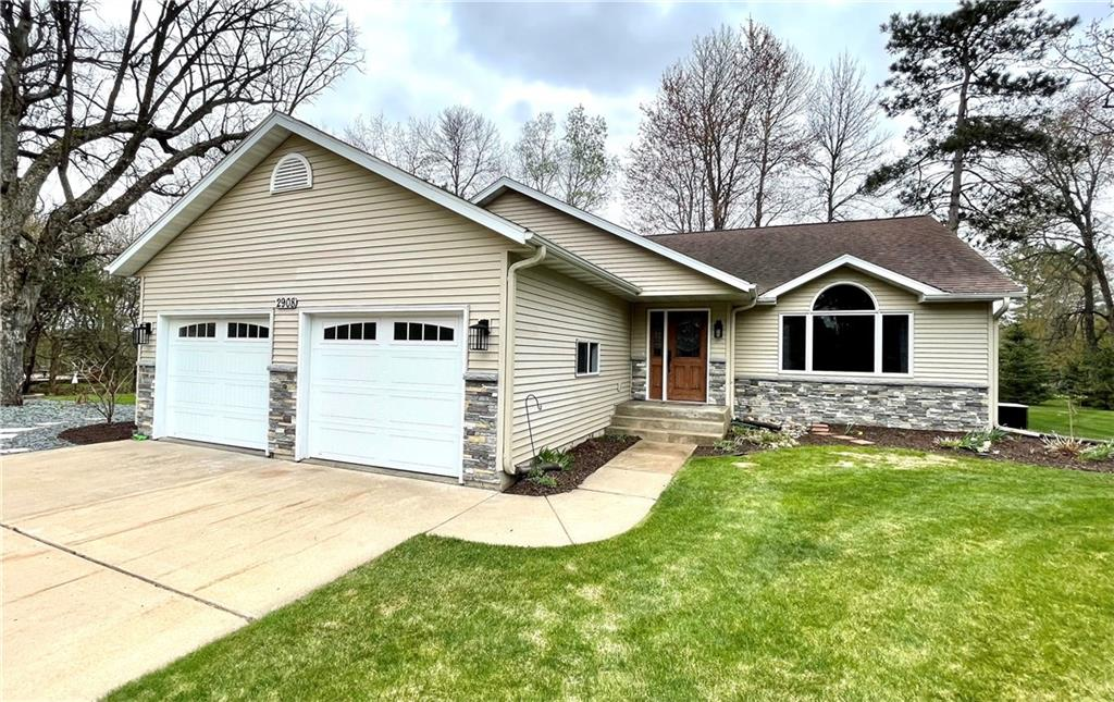 Shorewood Heights Real Estate Listings Main Image