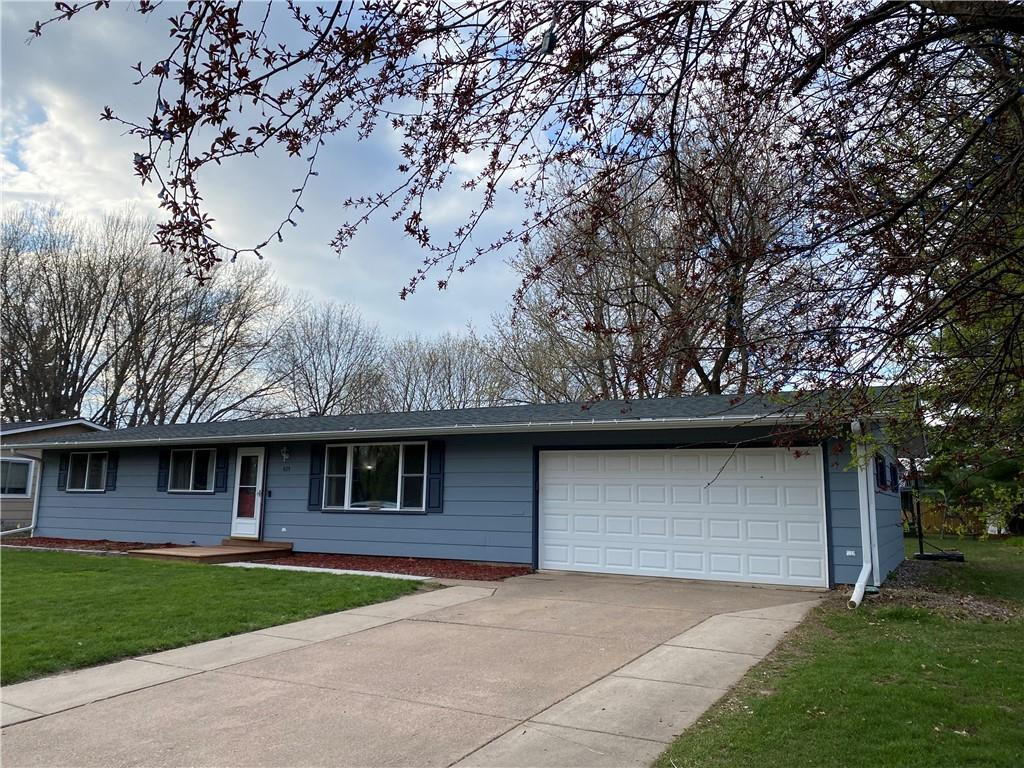 425 Cedar Avenue E Property Photo