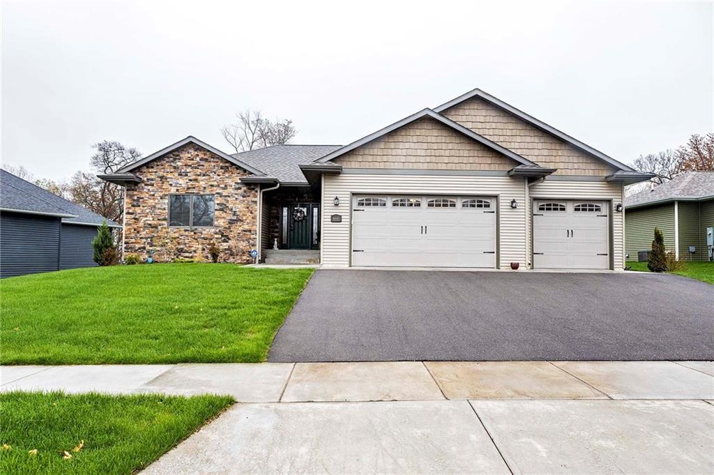 4645 S Oakwood Hills Parkway Property Photo 1