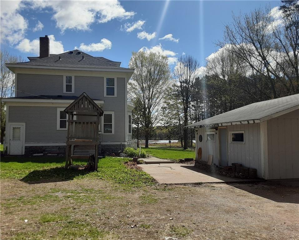 203 N Lake Avenue N Property Photo
