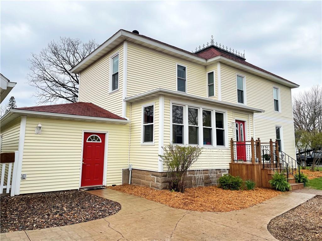 805 W Willow Street Property Photo