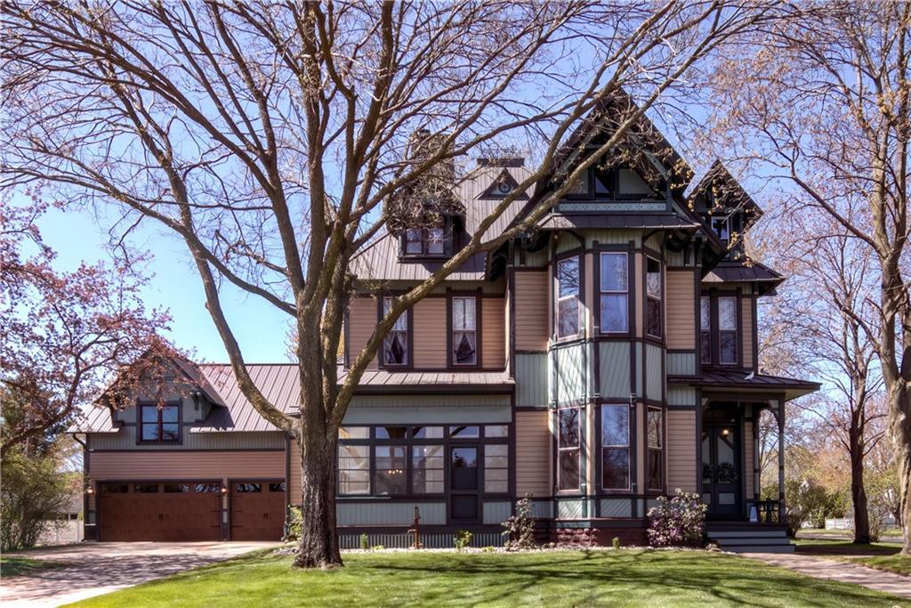 522 Superior Street Property Photo