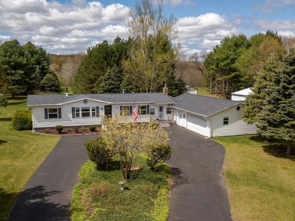 W2950 Hemlock Road Property Photo 1