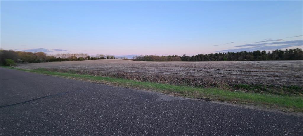 2615 W Maple Road Property Photo