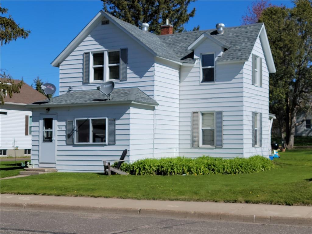 109 Logan Avenue W Property Photo