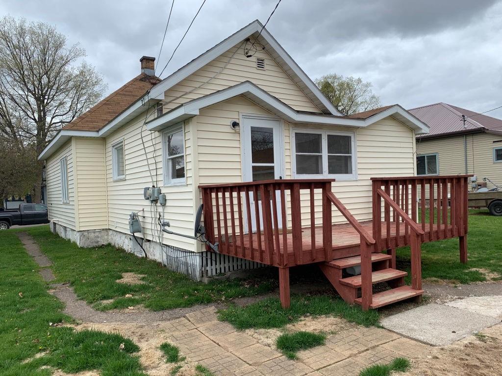 549 6th Avenue S Property Photo