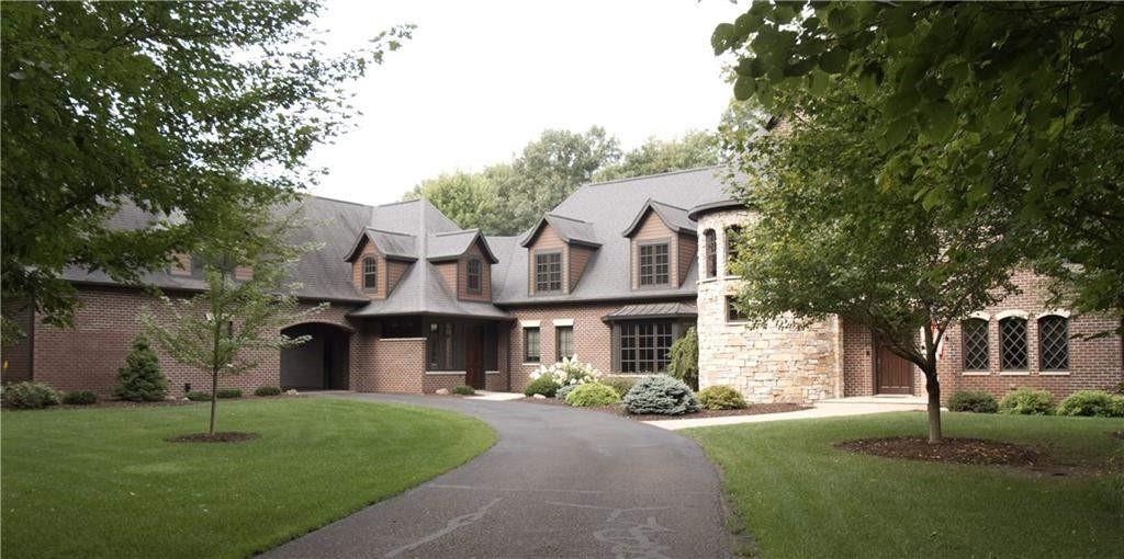 S9040 Stonebrook Drive Property Photo