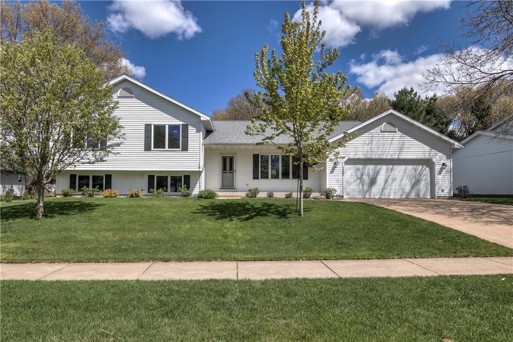 1432 Glades Drive Property Photo 1