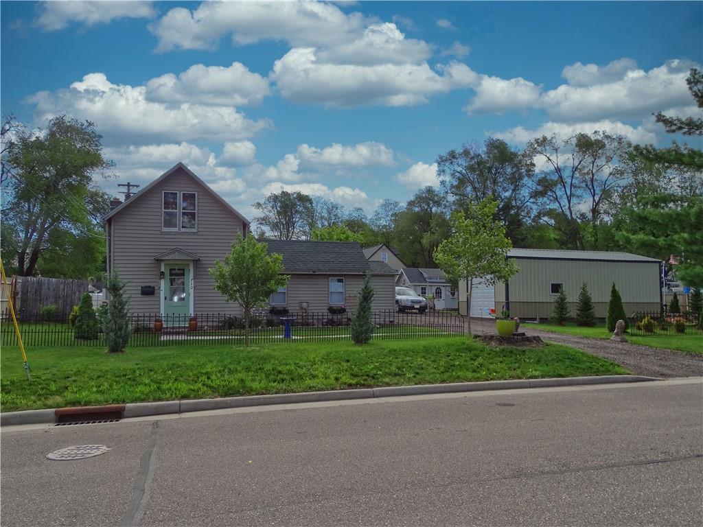 710 10th Avenue E Property Photo