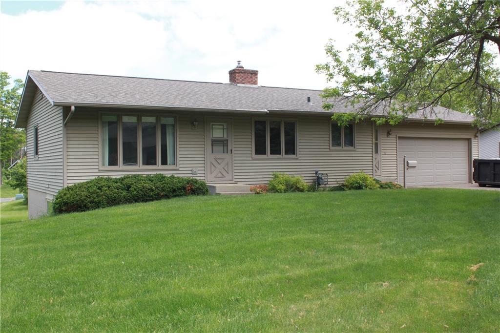 735 Oak Street Property Photo