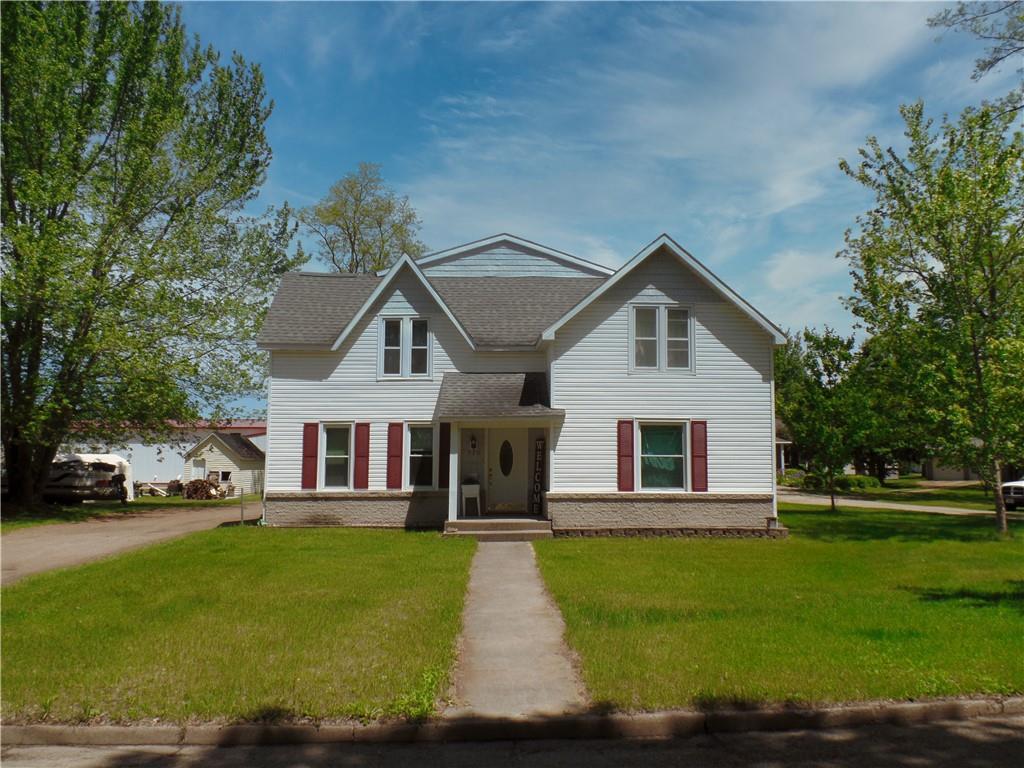 520 8th Avenue E Property Photo