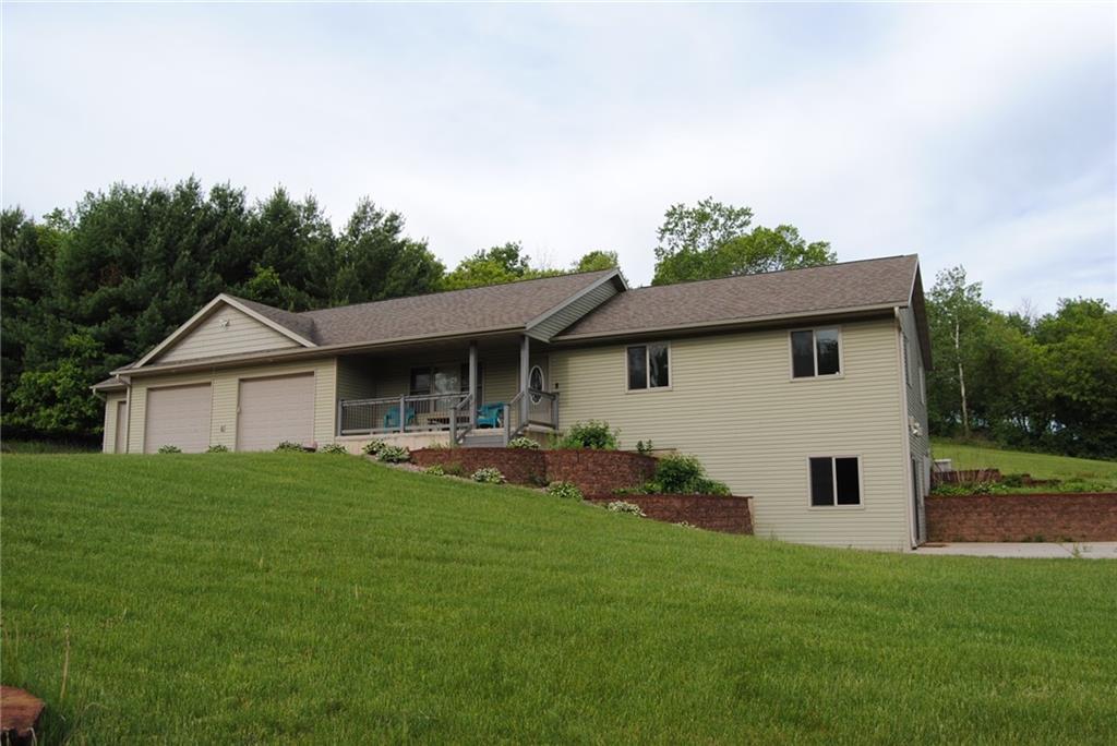 E5725 510th Avenue Property Photo 1