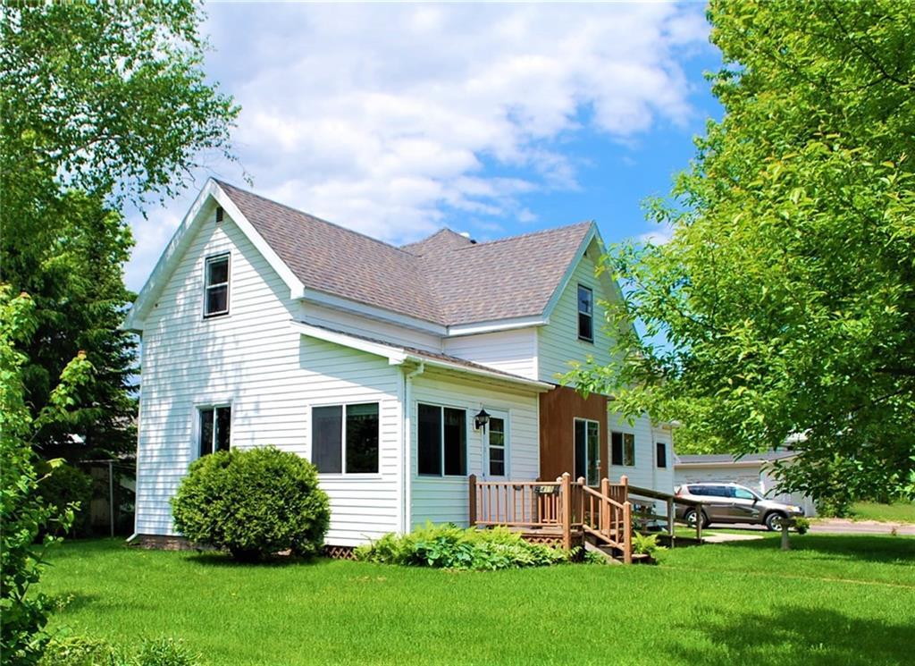 419 Worden Avenue E Property Photo