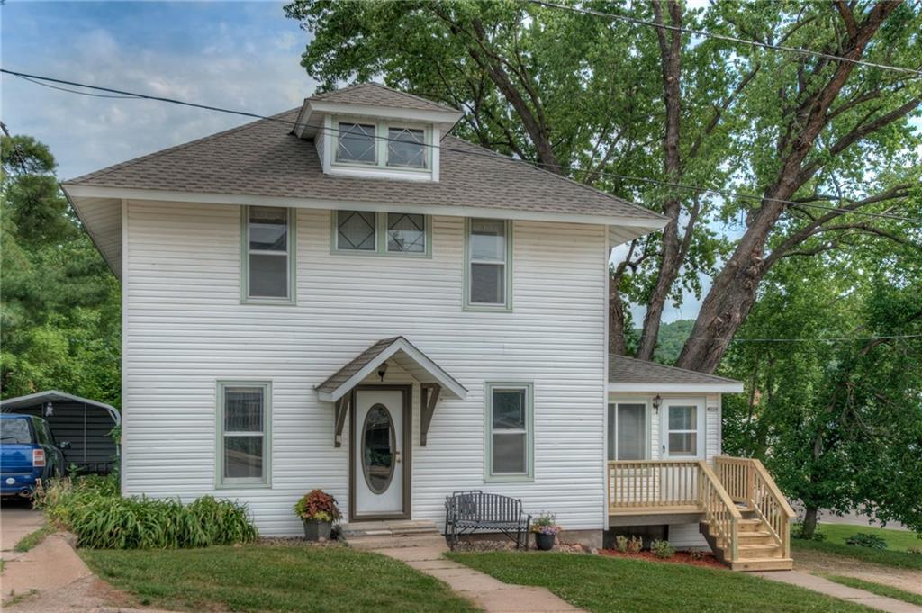 W214 Third Street Property Photo