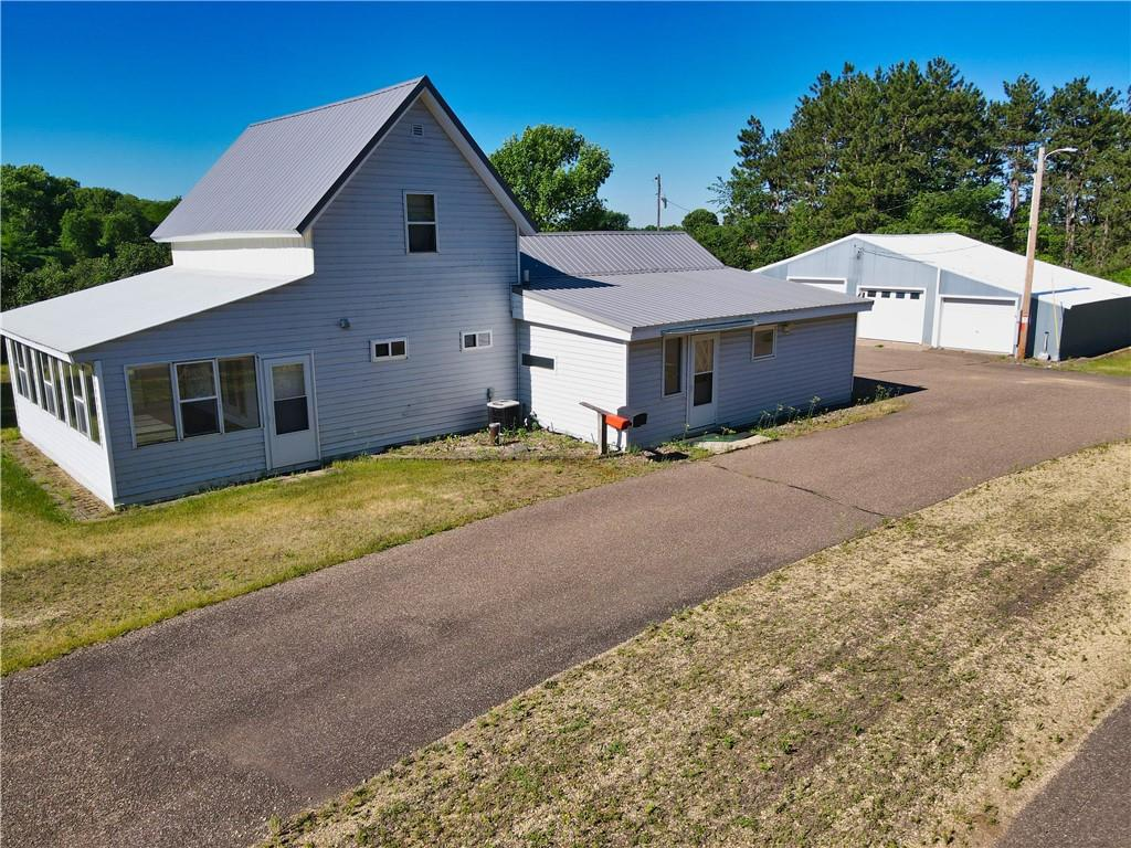 E5587 50th Ave Property Photo