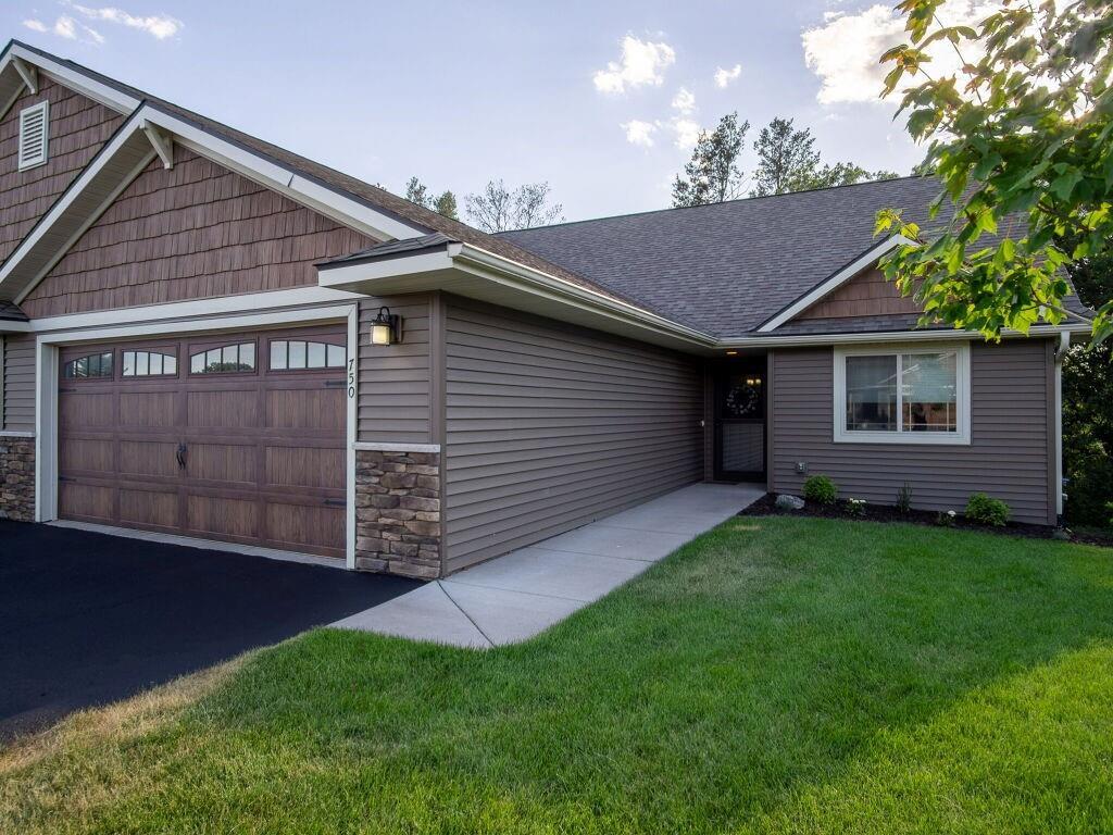 750 Club View Lane Property Photo 1