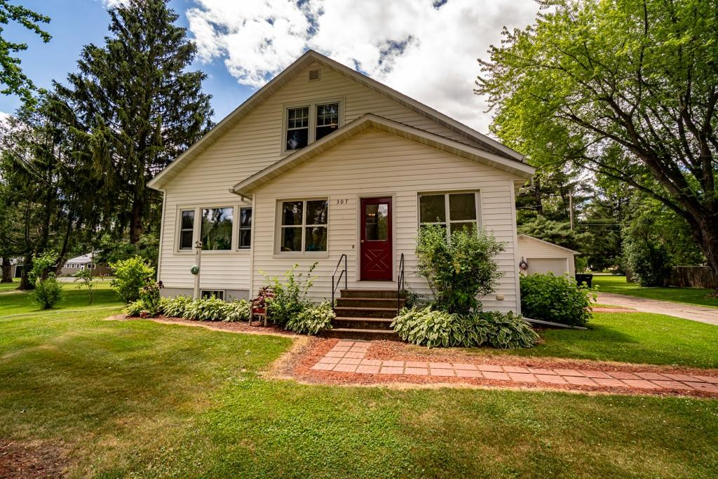 54498 Real Estate Listings Main Image
