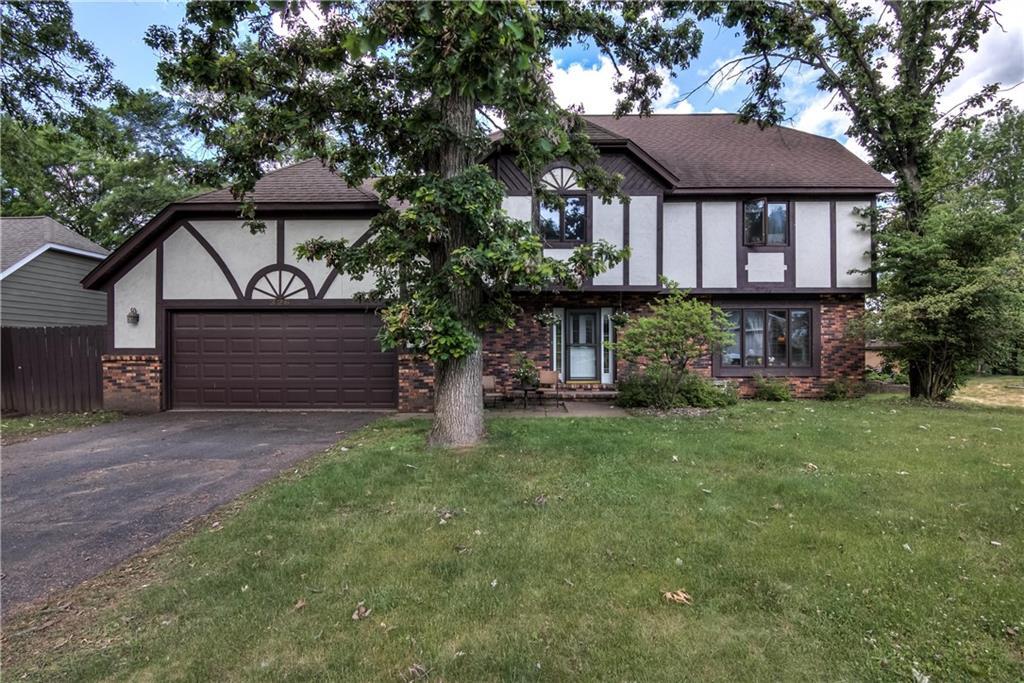 326 Hampton Court Property Photo