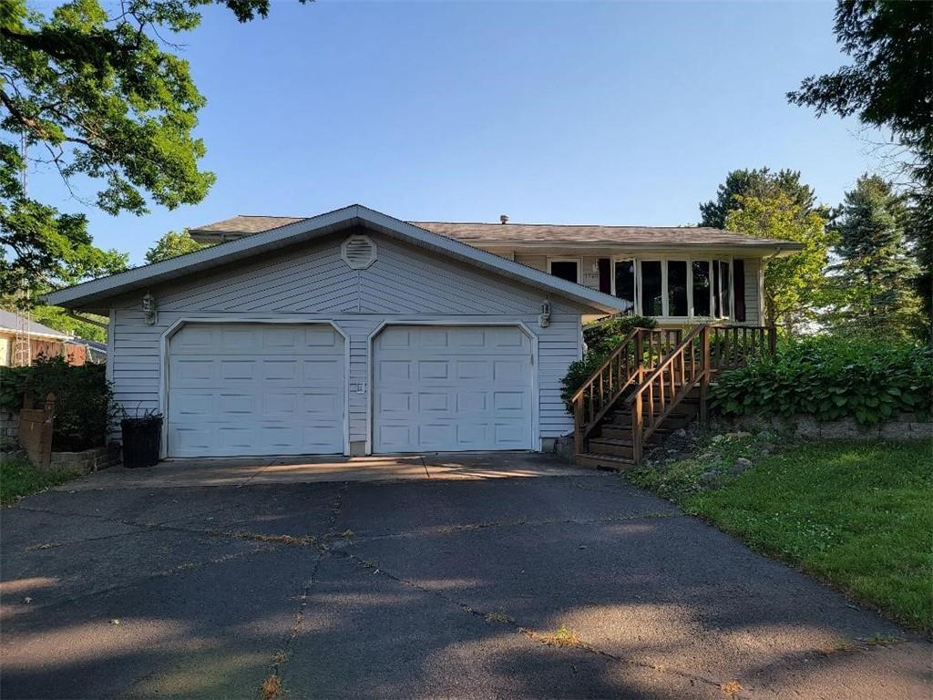 1640 Oak Street Property Photo 1