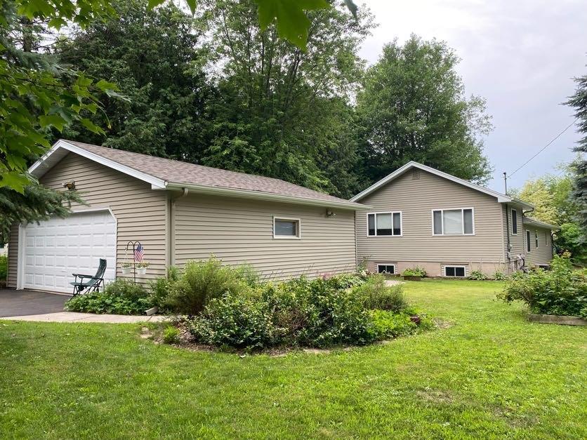 10920 161 Street Property Photo 1