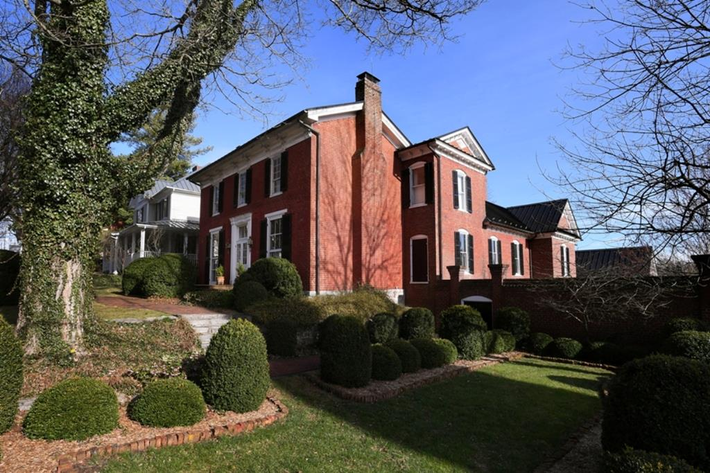 142 Main Street Property Photo