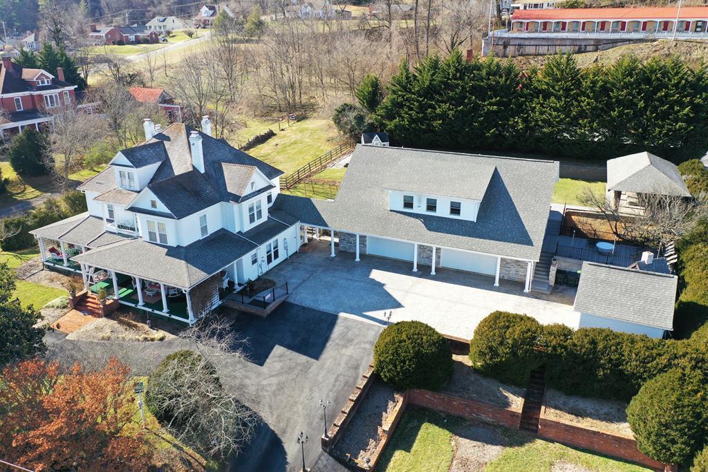 406 W Stuart Drive Property Photo 1