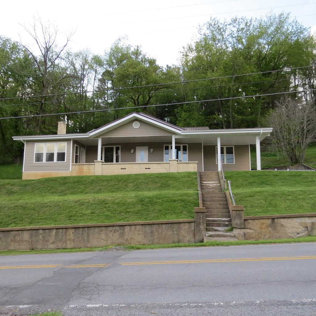 219 Jeffersonville St Property Photo