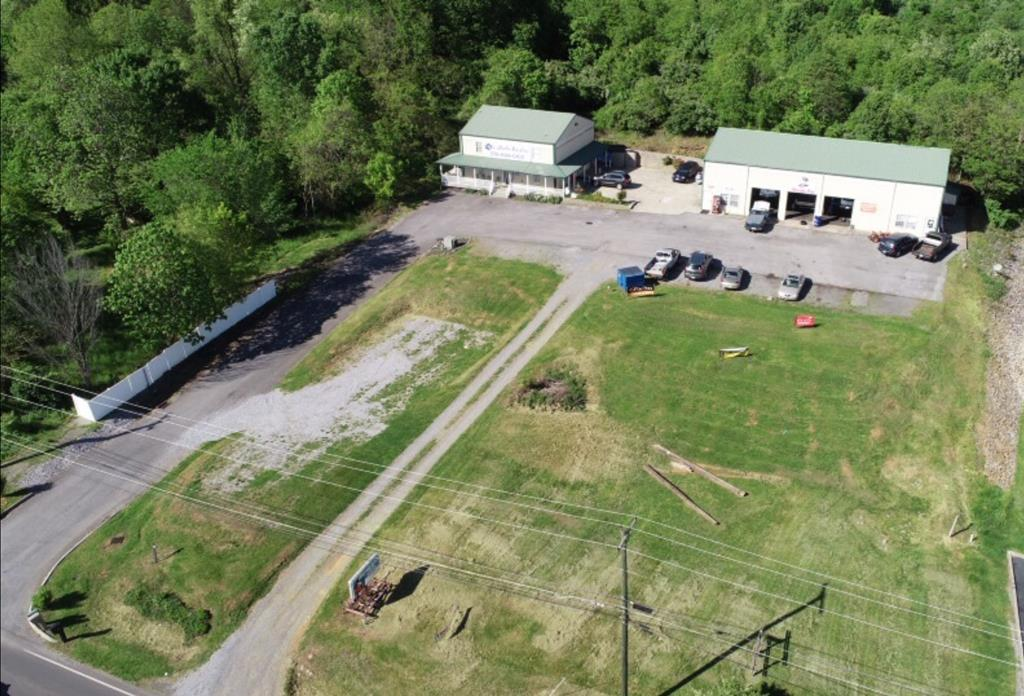 21535 CLEAR CREEK ROAD Property Photo