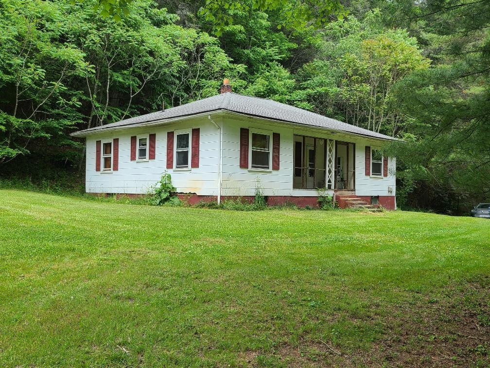 540 Lamont Ln. Property Photo