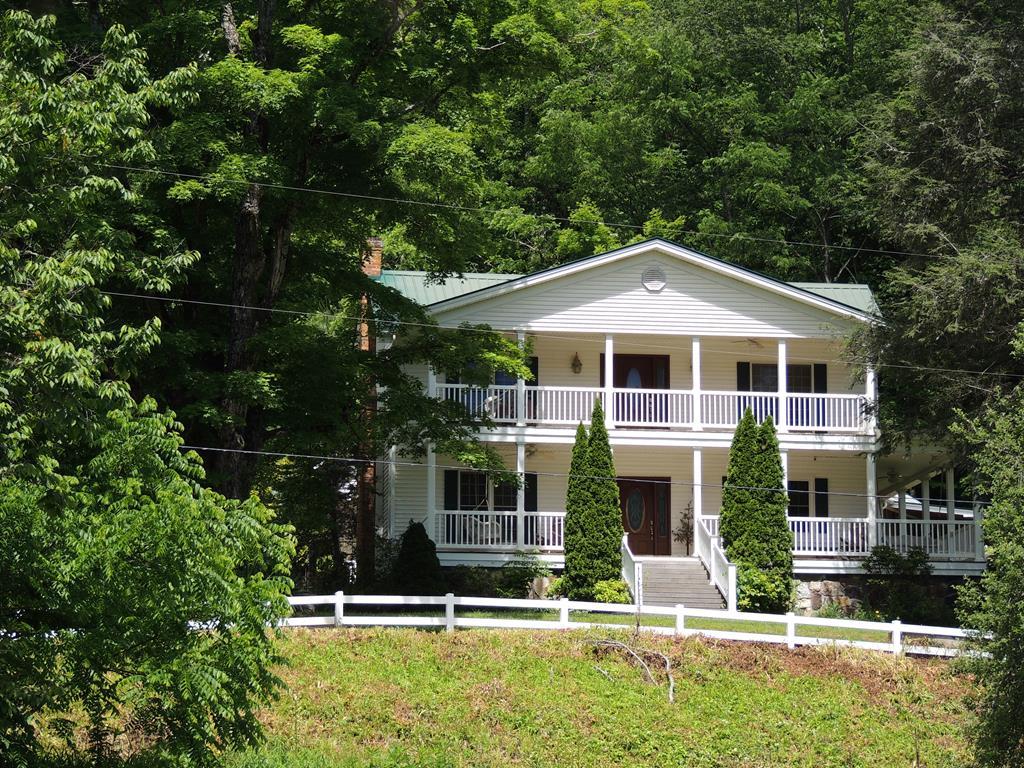 4180 Tumbling Creek Road Property Photo