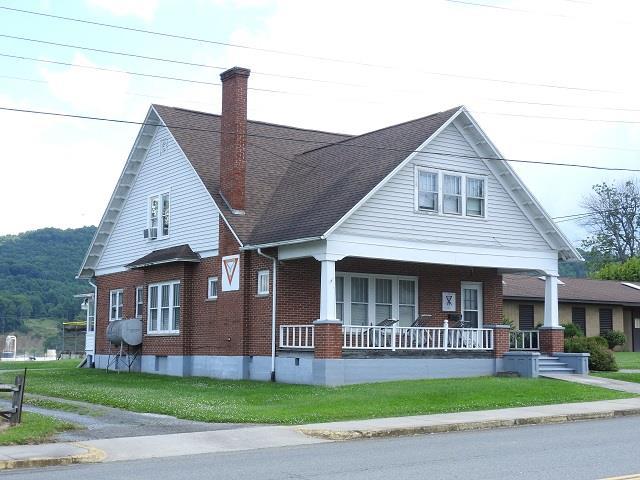 405 S Main St Property Photo