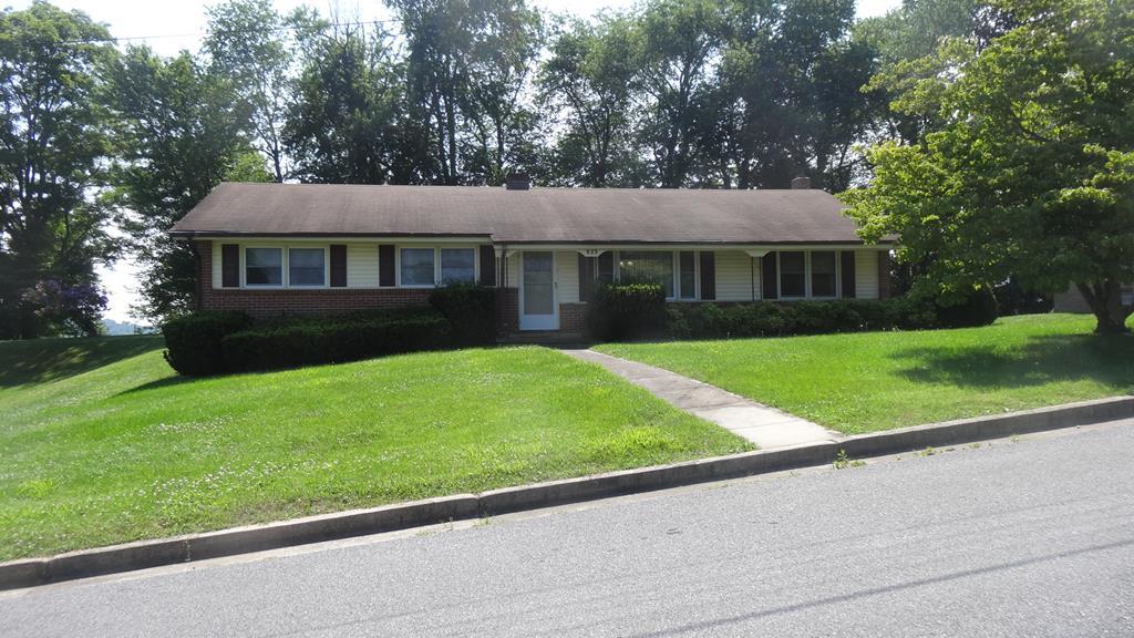 823 E Coyner Ave Property Photo