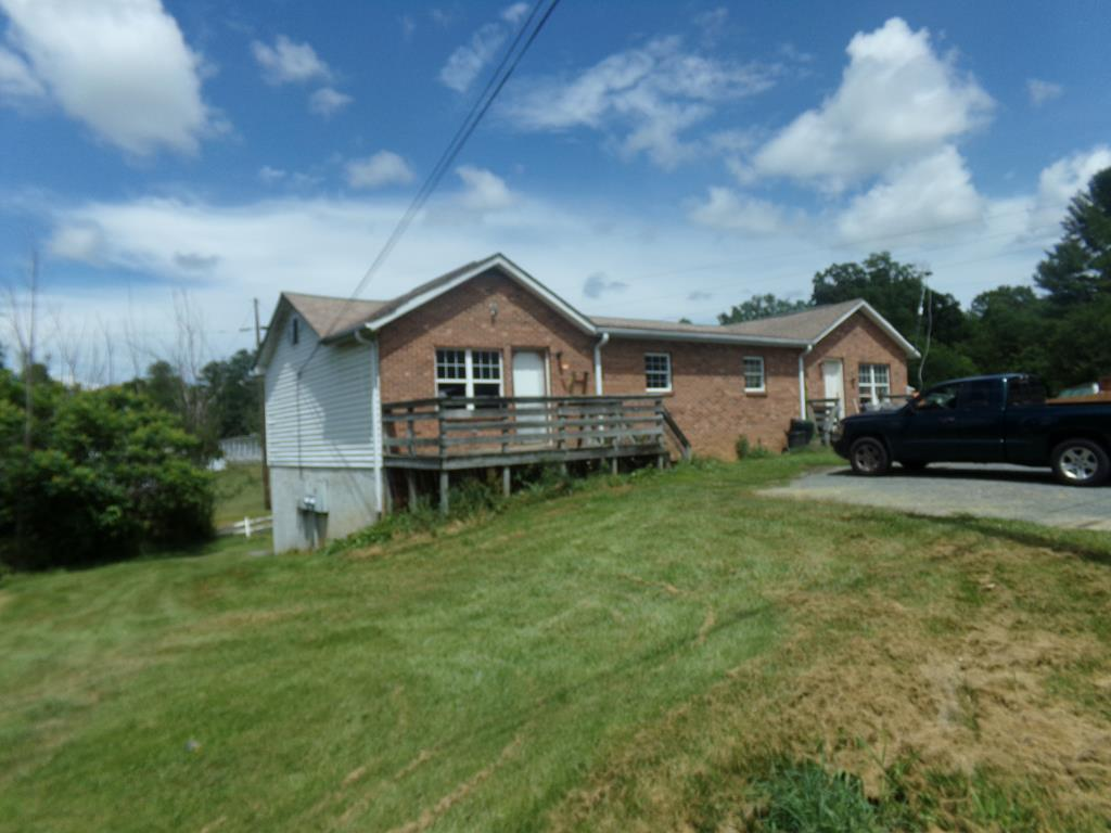 109 Allen Lane Property Photo