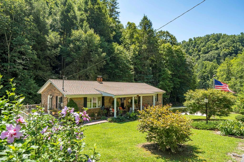 1732 Denton Valley Rd Property Photo